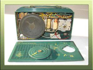 Radio a valvole Emerson 856 della collezione di Franco Nervegna