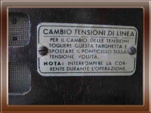 Radio Phonola modello 521 trasportabile della collezione di Franco Nervegna