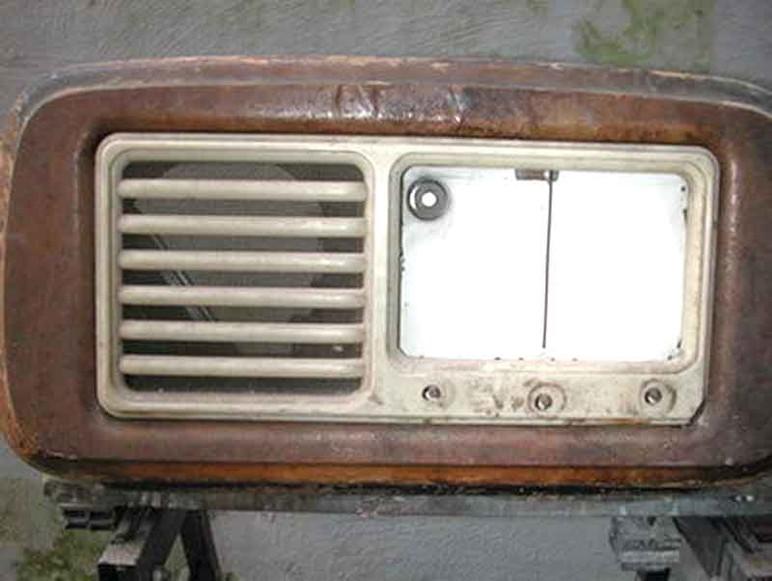 Restaurare una radio d'epoca o rottamarla? Franco Nervegna e Silvano Miccoli, ci spiegano come fare